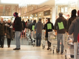 Line%20of%20shopping%20carts%201